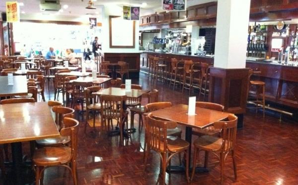 Aces Bar & Bistro